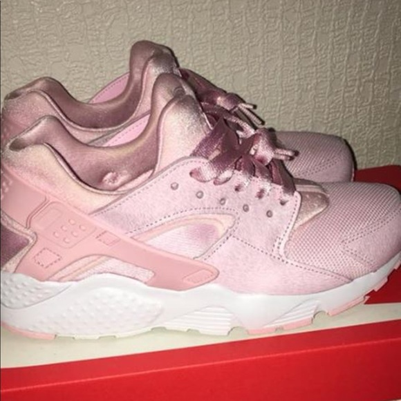 new concept 60ebc 0e92f Light pink huaraches